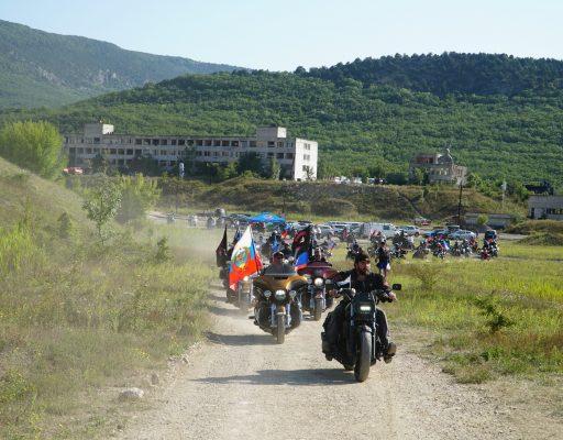 Колонна европейцев прибыла на байк-шоу вместе с Ночными Волками Донбасса